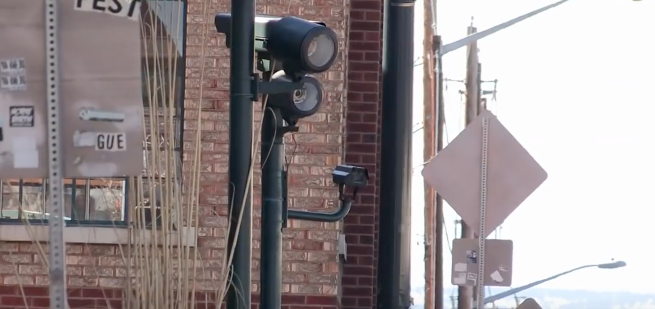 House votes again to eliminate red-light cameras