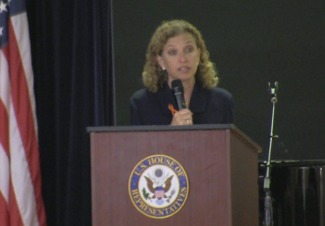 "Wasserman Schultz: ""Majority of NRA members"" support banning high capacity magazines"