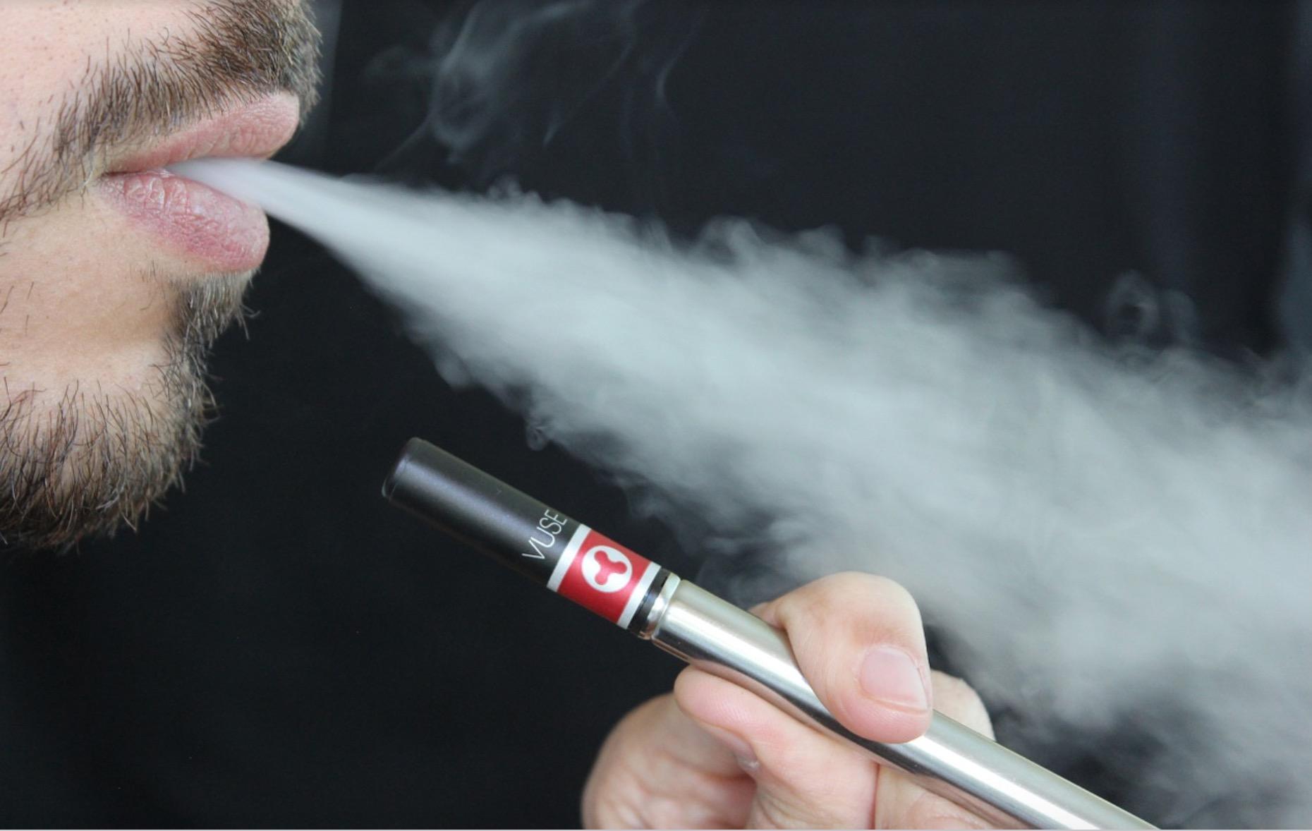 Senators begin moving forward with vaping ban