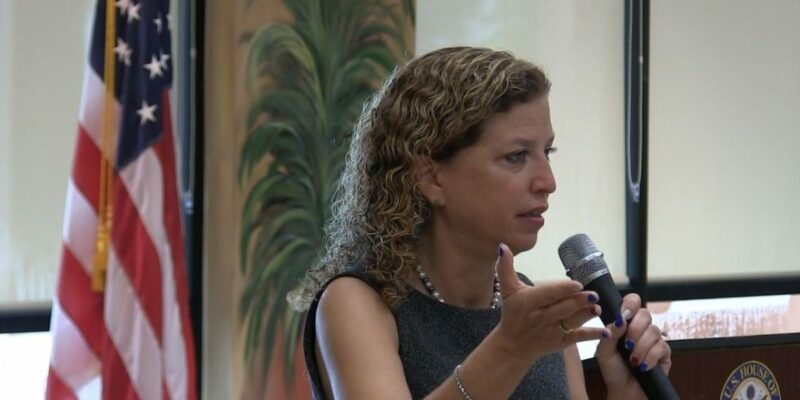 Wasserman Schultz calls for Trump's removal from office