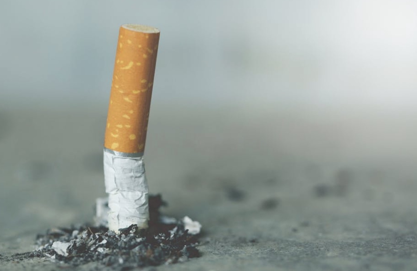 FL Senate passes 21 and over smoking age bill
