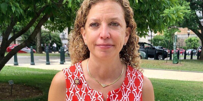 House Democrats, Wasserman Schultz call for impeachment