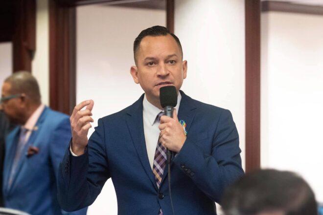 """Florida Democrat says Trump  has deep """"hatred"""" for Puerto Rico"""