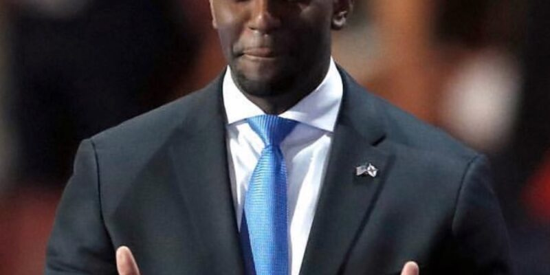 Andrew Gillum's attorney confirms nude picture