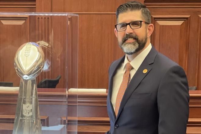 Sen. Diaz's SB 1672 to Make Education More Affordable to Veterans