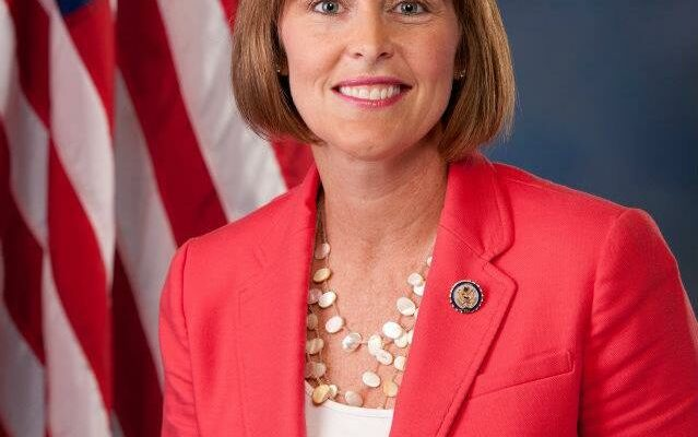 Kathy Castor Champions Removal of Confederate Statue from Congress