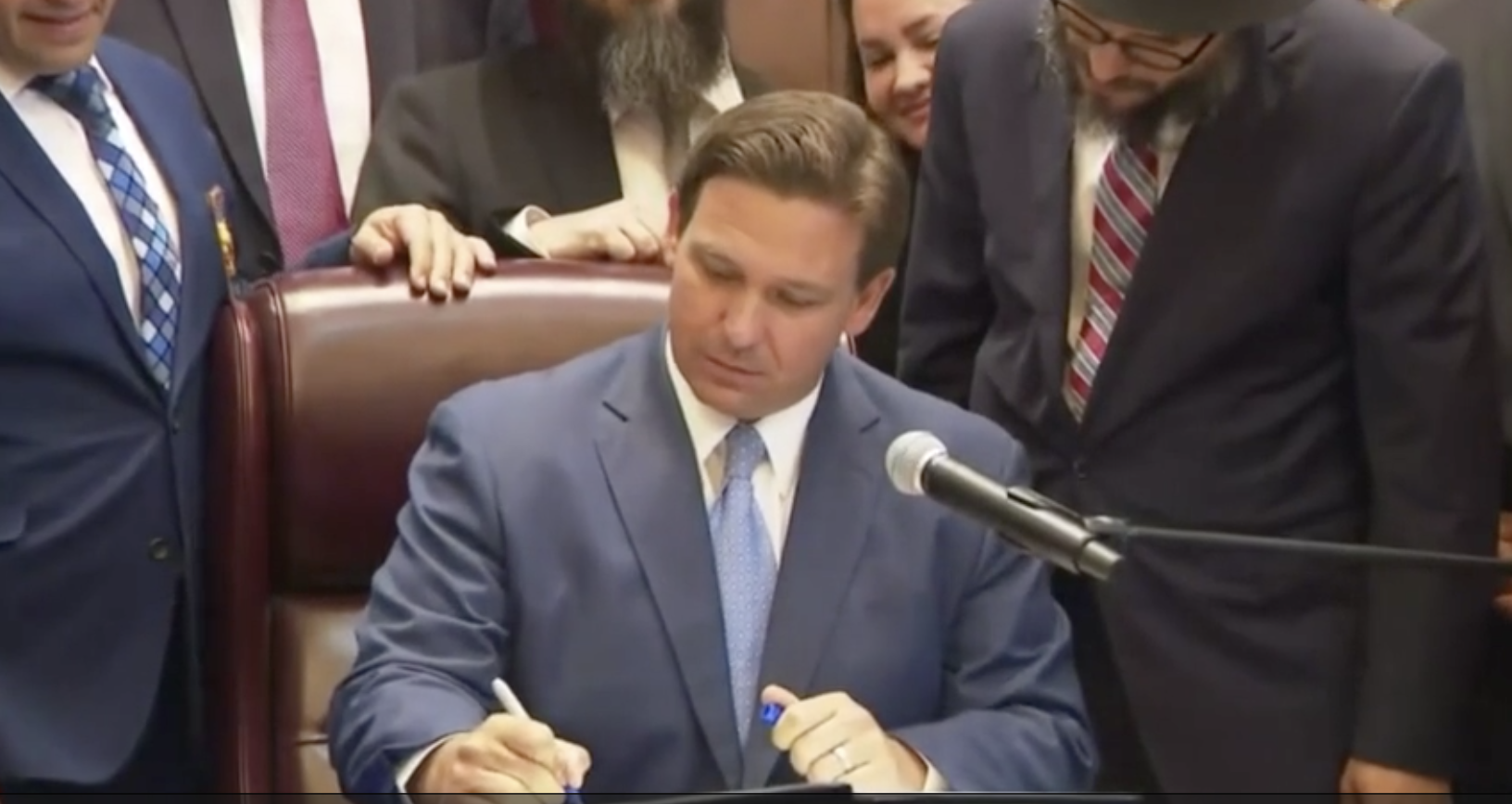 DeSantis Signs New Law Allowing Children to Pray in School